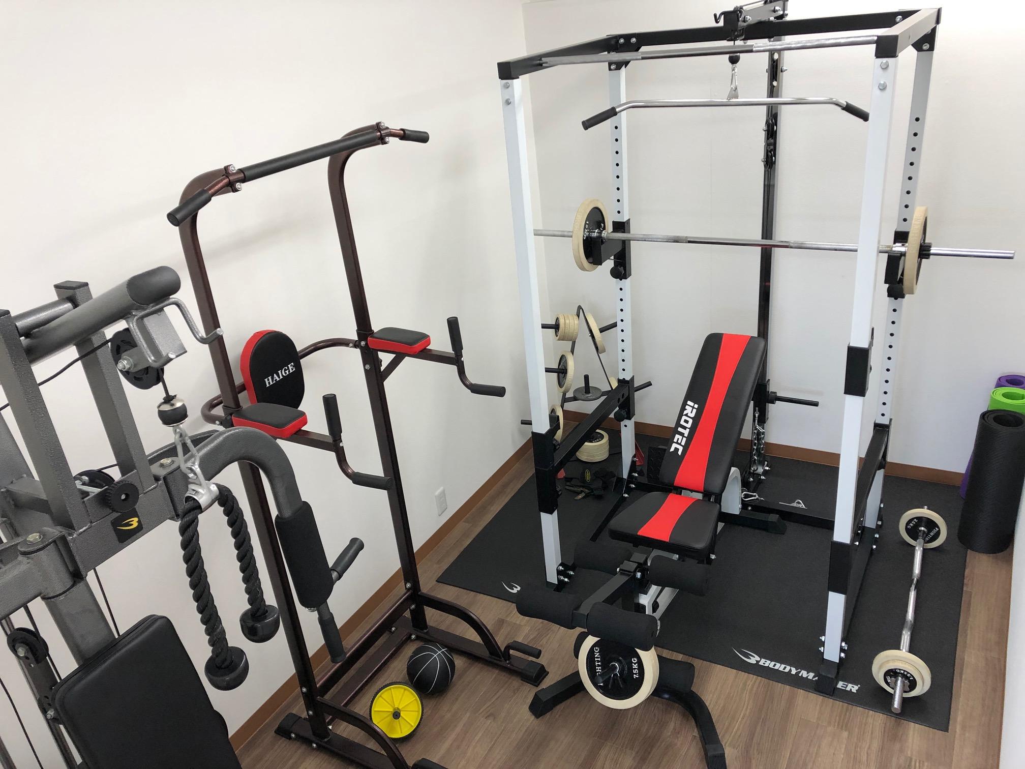個室にトレーニングマシンを完備!